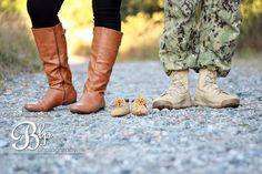 Maternity / Military http://blpphotography.net  I love this one!!!! So sweet!!