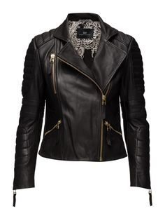DAY - Day Halva Cool and stylish leather jacket with side closure. DAY Halva is cut from soft lamb leather, making it comfortable to wear. The leather jacket has a rough edgy look but the gold zippers adds a touch of femininity and elegance. This jacket is the perfect between seasons and is a must have in any woman's wardrobe.  Asymmetric front zip closure Biker style Patterned inner lining Quilted detailing Feminine Iconic Made from high quality leather that becomes more beautiful with… Womens Black Leather Jacket, Edgy Look, Biker Style, Long Tops, Pattern Fashion, Femininity, Zippers, Stylish, My Style