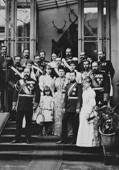 "imperial-russia: """"Gathering of family and friends: the Duke and Duchess of Edinburgh with their children Alfred, Marie, Victoria Melita, Alexandra and Beatrice "" "" Queen Victoria Family, Queen Victoria Prince Albert, Victoria And Albert, Princess Victoria, Alexandra Of Denmark, Royal King, Princess Alexandra, Imperial Russia, History Photos"