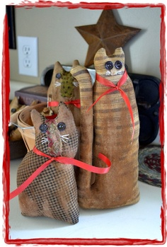 Love these prim cats made by Poplar Street Prims over on etsy.com!