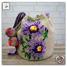 "14 Likes, 1 Comments - Wayuu Bags &Bikini etc. (@wayuukiss) on Instagram: ""Wayuu bag double strands รุ่น special flower ราคา 3900-/ •ฐาน 9นิ้ว สูง 11นิ้ว •สายยาว 100 cm. •ฟรี…"""