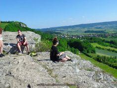 https://flic.kr/s/aHskvCPj8E   La Suiza Franconia en Alemania   La Suiza de Franconia como se llama aqui en Alemania Frankische Schweiz, esta entre las ciudades de Bamberg, Erlangen y Bayreuth, su similitud de paisajes, montañas rocosas, colinas verdes, y casa pintorescas le han dado el nombre a la Suiza de Franconia un lugar muy visitado en todo el año especialmente en el verano,bonito lugar para pasear ymuchas cosas para hacer en familia, mas informacion visitanos