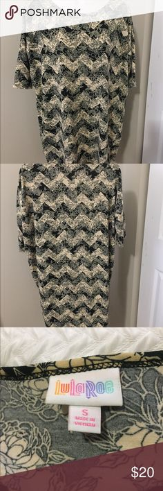 Shop Women's LuLaRoe size S Blouses at a discounted price at Poshmark. Shop My, Blouses, Product Description, Womens Fashion, Things To Sell, Tops, Style, Swag, Stylus