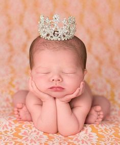 Silver Crystal Mini Crown // rhinestone newborn photography inspiration fit for a little princess // photo props for baby / Newborn Photography / Newborn Photoshoot / Baby Photos Newborn Bebe, Foto Newborn, Baby Girl Newborn, Newborn Crown, Newborn Tutu, Baby Poses, Newborn Poses, Newborn Shoot, Sibling Poses