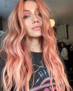 Pink Hair Streaks, Pink Blonde Hair, Blond Pastel, Pastel Pink Hair, Short Pastel Hair, Peach Hair Colors, Pink Peach Hair, Pastel Colors, Hair Color Pink