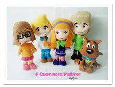 Scooby gang in felt Felt Patterns, Stuffed Toys Patterns, Felt Crafts Dolls, Scooby Doo Toys, Felt Books, Felt Christmas Ornaments, Sewing Toys, Felt Diy, Soft Dolls