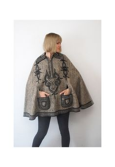 beautiful vintage cape!