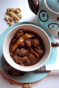 Imbuljuta tal-Qastan is a traditional Maltese drink served after Midnight Mass and on New Year's Eve. It is made using cocoa, chestnuts, cloves and citrus zest.