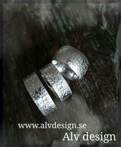 """EPOK"" - Rustika silverringar. Medeltida inspiration. Design och arbete: Anneli Lindström, Alv Design. WWW.ALVDESIGN.SE"