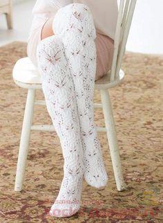 What a Beatiful socks Vogue Knitting, Lace Knitting, Knitting Socks, Goth Women, Stockings Legs, Thigh High Socks, Wool Socks, Happy Socks, Slipper Socks