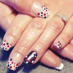 nails, accent nail, gelish, shellac, gellac, nail art, french, white, black, red, spots, dots, tips