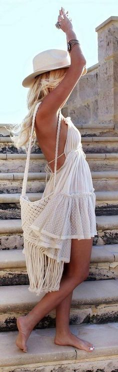 Tô te esperando... Dani Cabo Gypsy Style, Boho Gypsy, Bohemian Style, Boho Chic, Concert Wear, Boho Swim Suits, Moda Boho, Boho Life, Outfits With Hats