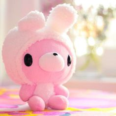 Let's look for pink teddy bears. I will name her Princess Bunny Bunny. #gracepins