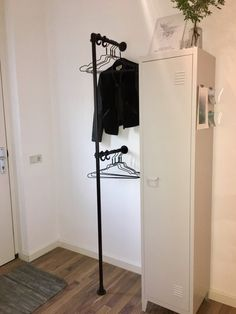 New Apartment Storage Bedroom Entryway Ideas Hallway Storage, Bedroom Storage, Student Room, Appartement Design, Small Hallways, House Entrance, Entrance Halls, Hallway Decorating, Home And Living
