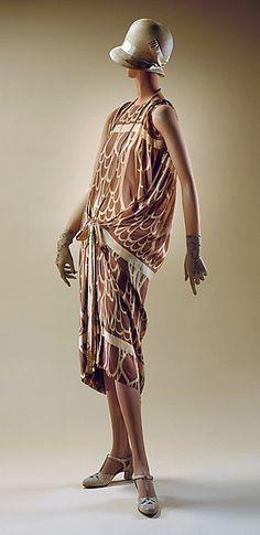 Art Deco Wiener Werkstätte - 1924 - Print probably by Josef Hoffmann - Silk dress - The Metropolitan Museum of Art