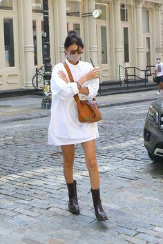 Long White Shirt, Looks Style, My Style, Fashion Bella, Women's Fashion, Bella Hadid Style, Summer Lookbook, Celebrity Look, Kendall Jenner