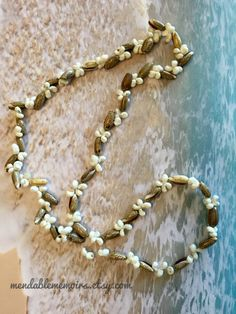 Hey, I found this really awesome Etsy listing at https://www.etsy.com/listing/258387545/vintage-shell-necklace