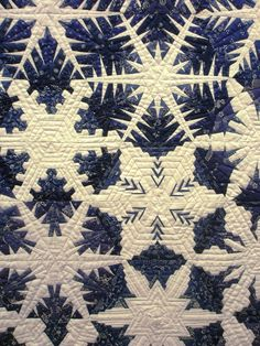 Close-up, Snowflake quilt with Hungarian blue fabrics, photo by Meg Baier, Gruppa Kelenfolt Patchworktage Dortmund 2010 (Germany)