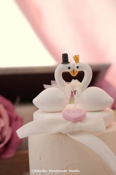 LOVE ANGELS Wedding Cake Topper-love Swan by kikuike on Etsy #clay #cakedecor