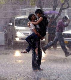 Chuva - rain - lluvia - estação - season - temporada - chovendo - raining - lloviendo - dias - days - día - clima - climate - tempo - água - water - gotas - drops - mulher – woman – mujer – sorriso – smile – sonrisa – feliz – happy – felicidade – happiness – homem – man – hombre – namorado – boyfriend – amigo – apaixonados - amor - love - rua – street – road – calle - banho – shower- bath - bathing - aguaceiro – baño - inspiração - inspiration - casal - couple - pareja