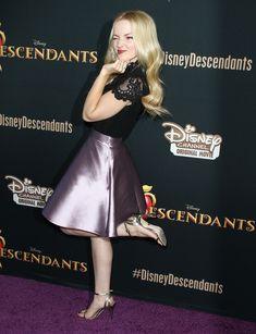 "http://www.feetpedia.net/2015/12/dove-cameron_6.html Acttress Dove Cameron attends the premiere of Disney Channel's ""Descendants"" at Walt Disney Studios on July 24, 2015 in Burbank, California. UtWwzKV.jpg (2220×2896)"