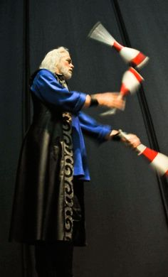 In Pippin, Broadway veteran Terrence Mann throws knives, rides a unicycle and, of course, juggles!