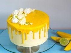 Sommerliche Limetten-Mango-Torte mit Mangocreme und Vanille Summery lime mango cake with mango cream and vanilla Drip Cakes, Cake Recipes, Dessert Recipes, Mango Cake, Pecan Bars, Cake Mix Cookies, Cupcakes, Macaron, Cake Designs
