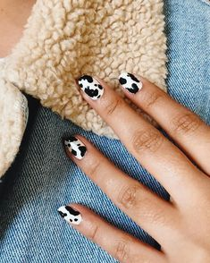 Cute Nails Ombre Beauty Best Picture For nails colors For Your Taste You are looking for something, and it is going to tell you exactly what you ar Cow Nails, Aycrlic Nails, Hair And Nails, Dark Nails, Nail Design Stiletto, Nail Design Glitter, Stiletto Nails, Minimalist Nails, Nail Swag