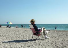 25 Best Places To Retire | Forbes  Venice FL Warm Gulf Coast climate, above average air quality, cost of living at national average, median home price $196,000, low crime.