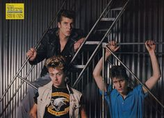 ♫'''STRAY CATS (Star Hits)...☺...'''♫ http://thumbs.worthpoint.com/AFyDxCnLz2nfPUDMOV15NI-bw5U=/400x0/images/images1/1/1208/14/1_3b3589dee0480068d8a52a49731ad9ee.jpg