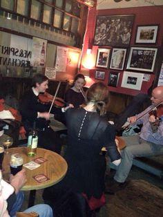 Local pub ..geweldig die Ierse muziek