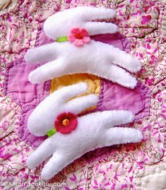 Bounding bunny pin.  Found at http://allsorts.typepad.com/allsorts/2009/03/bounding-bunnypins-a-freebie-for-friday.html