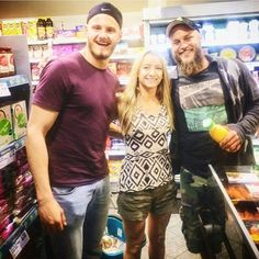 Shona was lucky enough to meet Travis Fimmel and Alexander Ludwig…