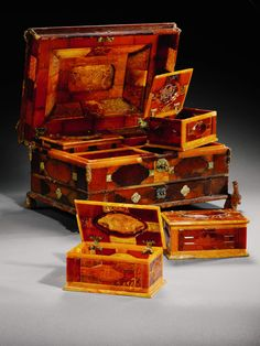 amber casket bearing the arms of Prince William IV of Orange and Anne,Princess Royal of Great Britain, (1594×2126)