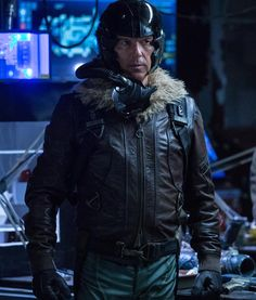 American fashion idol Michael Keaton has leather appeared in The Vulture Jacket with fur collar in the popular film Spider-Man Homecoming. He played the role of Spiderman. Spiderman Homecoming Vulture, Vulture Spiderman, Vulture Marvel, Best Marvel Movies, Marvel Films, Marvel Heroes, Dr Octopus, John Douglas, Spiderman Movie