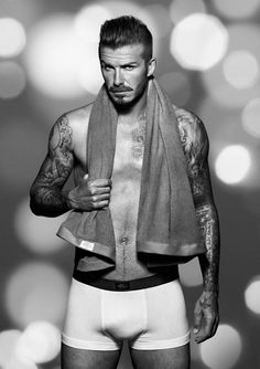 David Beckham: Shirtless H&M Holiday Promo Shots!: Photo Check out these newly released promo images of a shirtless and underwear-clad David Beckham for H&M's holiday campaign. Vanity Fair, David Beckham Shirtless, British Celebrities, Hommes Sexy, Gorgeous Men, Beautiful People, Amazing People, Hello Beautiful, Beautiful Family