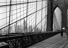 blackpicture:  Todd Webb Bridge. New York (1946)