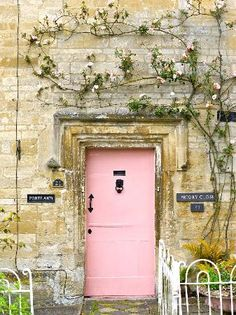 Lovely pink door to be inspired. Anything can be a great inspiration, why not this pink door surrounded by that wall in ochre colours and green leaves? Grand Entrance, Entrance Doors, Doorway, Front Doors, Cool Doors, Unique Doors, Knobs And Knockers, Door Knobs, When One Door Closes