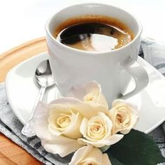 There is nothing more satisfying than a good cup of coffee. Coffee And Books, I Love Coffee, My Coffee, Good Morning Coffee, Coffee Break, Coffee Cafe, Coffee Drinks, Pause Café, Chocolate Coffee