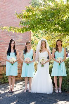 Light, romantic flower colors with tiff blue dresses Tiffany Blue Bridesmaid Dresses, Tiffany Blue Weddings, Tiffany Wedding, Bridesmaid Colours, Blue Dresses, La Sposa Wedding Dresses, Monterey Wedding, Best Friend Wedding, Dream Wedding