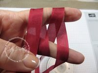 StampsandScrapbooks.com: Double Bow Using Your Fingers