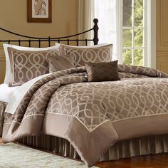 Jaclyn Smith- -4-Piece Ogee Comforter Set-Bed & Bath-Decorative Bedding-Comforters & Sets
