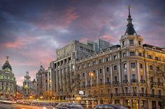 https://flic.kr/p/yGVpnL | _DSC4003 Alcalá Gran Vía.jpg 19,6 MB 7360×4912 | Calle de Alcalá de Madrid al anochecer con vista de La Gran Vía y el cielo rojo del atardecer. Street of Alcala in Madrid at dusk with view of the Gran Via and the red evening sky. Puedes comprar esta fotografía. You can buy this photo. Visit me here: www.comprar-fotos.com/ www.fotografodebodasdemadrid.com www.facebook.com/pages/Fotografia-de-paisaje-urbano-Madri... www.facebook.com/delreycarlos de Arellano del Rey