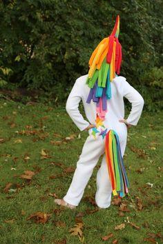 Rainbow Unicorn & Rainbow Butterfly Costumes - The Cottage Mama Diy Halloween Costumes For Girls, Unicorn Halloween, Cute Costumes, Costume Ideas, Unicorn Outfit, Unicorn Costume, Holidays Halloween, Halloween Kids, Halloween Stuff