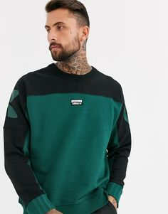 Buy adidas Originals vocal sweatshirt with logo back print in green at ASOS. With free delivery and return options (Ts&Cs apply), online shopping has never been so easy. Get the latest trends with ASOS now. Adidas Outfit, Nike Outfits, Latest Outfits, Latest Fashion Clothes, Adidas Originals Hombre, Nike Tech Fleece Hoodie, Nike Clothes Mens, Hommes Sexy, Mens Sweatshirts