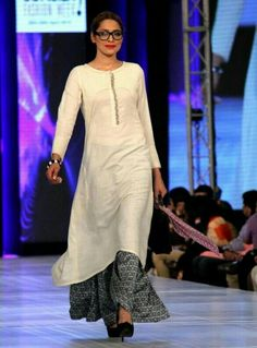 Adnan Pardesy The Working Woman Collection at PFDC Sunsilk Fashion Week 2013 Indian Look, Indian Ethnic Wear, Pakistani Outfits, Indian Outfits, Ethnic Fashion, Asian Fashion, Indian Couture, Indian Attire, Mode Hijab