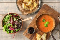 Hello Fresh December 2016: Tomato Bisque with Cheesy Toasts and Balsamic Greens. Hello Fresh coupon - Get $40 off your first box: www.hellofresh.com/?c=BILLO9 #HelloFresh #Vegetarian #NutFree #ChildFriendly #FamilyBox