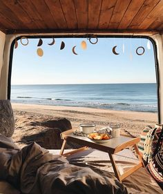 "Vanlife | Nomad | Buslife (@project.vanlife) sur Instagram : """"Breakfast Views"" ❤ Checkout @VanLifeCaptain for more  by @ireneyap"""