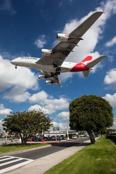 Qantas on Approach over Sydney