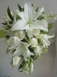 Resultado de imagen para ramos con lilis Romantic Wedding Colors, Rustic Wedding Flowers, Bridal Flowers, Flower Bouquet Wedding, Floral Wedding, Wedding Wishes, Wedding Bride, Wedding Ceremony, Rose Lily